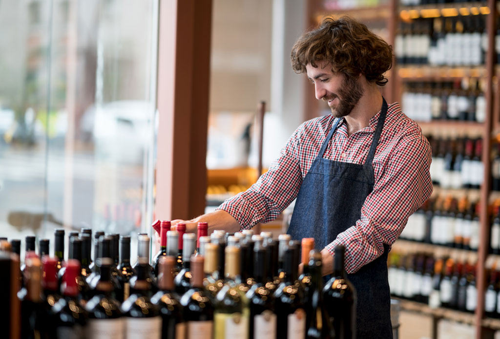 Winemakers can be sponsored in the regional areas of Australia. Well-known areas for winemaking are the Hunter Valley in New South Wales, the Barossa Valley in South Australia, the Yarra Valley in Victoria and Margaret River in Western Australia.