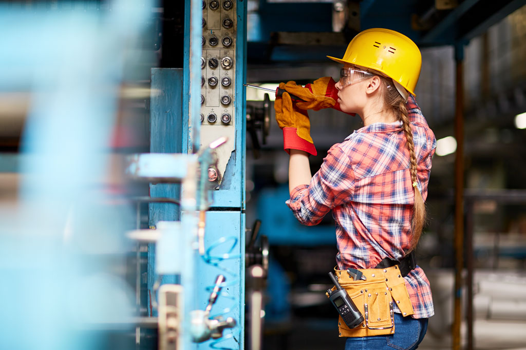 Mechanical and electrical engineering technicians and draftspersons can apply for a wide range of work visas in Australia, both in the employer-sponsored and general skilled migration programs.